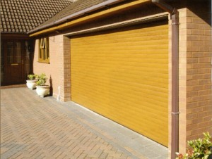 Picture of Cardale Thermoglide insulated roller garage door in Golden Oak