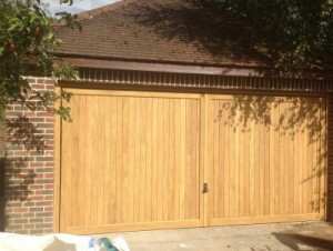 Collection Wooden Double Garage Doors Pictures - Woonv.com - Handle idea