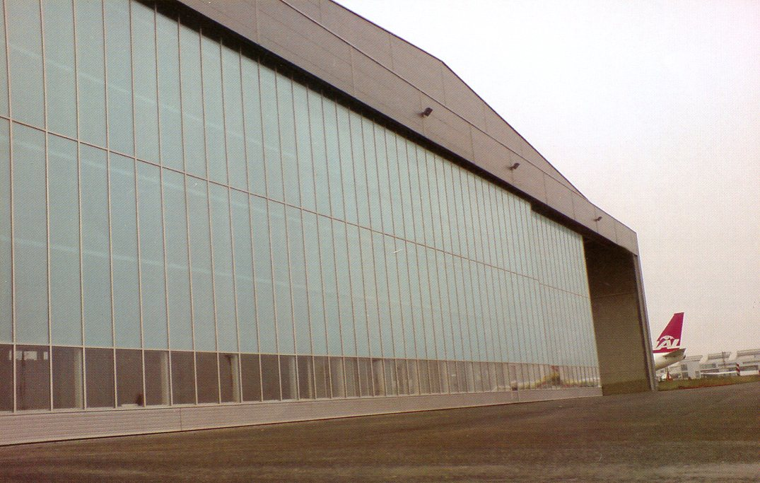 Picture of Ryterna glazed sliding hangar doors