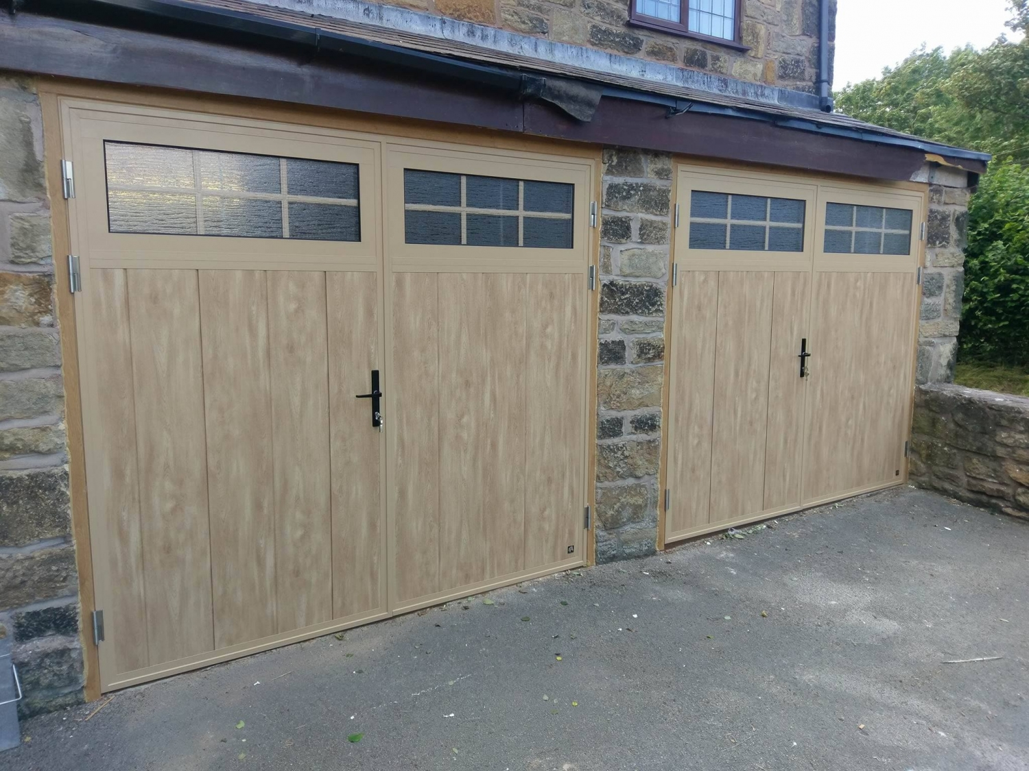Ryterna Traditional insulated side-hinged in Irish Oak finish in Penycae Wrexham