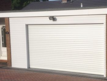 Aluroll Classic automatic insulated roller shutter in White