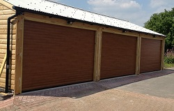 Picture of Aluroll insulated roller shutter garage doors fitted by Ryan