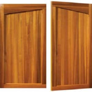 Woodrite Gawcott Cedar Side-Hinged garage doors