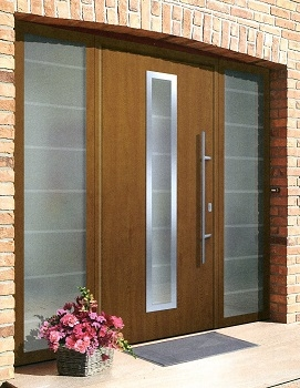 Hormann TPS 700 with matching side elements in Golden Oak