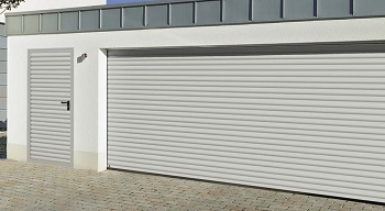 Hormann Rollmatic roller door with matching side door