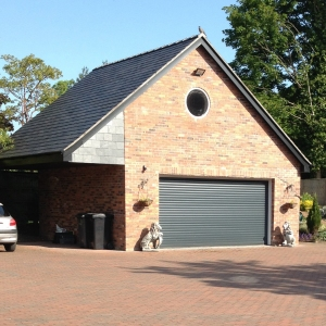 F: Aluroll Classic insulated roller shutter in Anthracite Grey