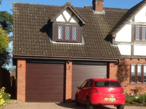 G: Aluroll Classic insulated roller shutters in Rosewood effect