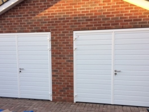 N: CarTeck GSW 40-L insulated side-hinged doors in standard (small) rib