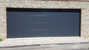 P: CarTeck GSW 40-L insulated sectional in solid (large) rib in smooth finish in Anthracite Grey