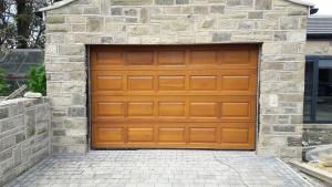 L: Cedar Door York sectional in Golden Oak