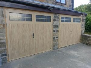 Y: Ryterna Traditional insulated side-hinged in Irish Oak finish