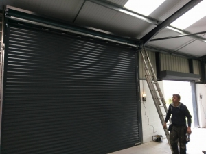 C1: Aluroll Classic large height insulated roller shutter in Anthracite Grey